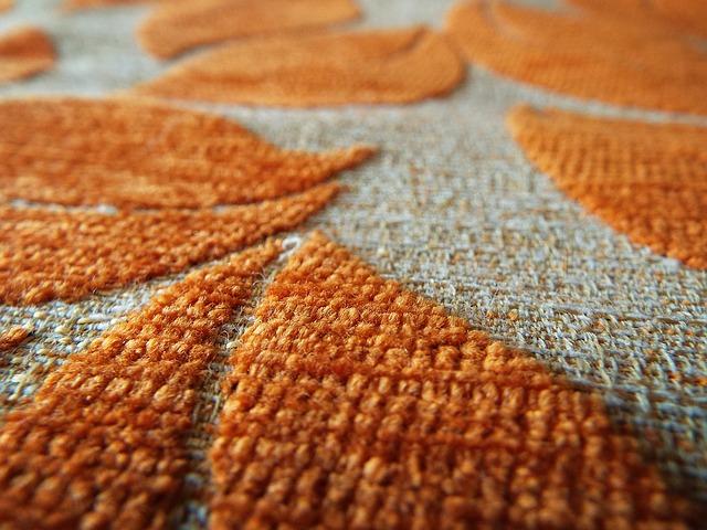 detail oranžového koberce.jpg